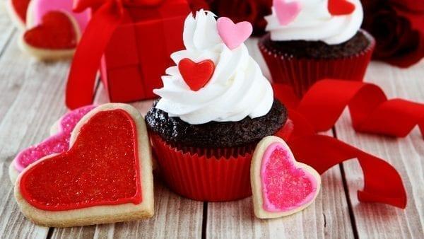 Sevgililer Günü Temalı Cupcake / Kurabiye